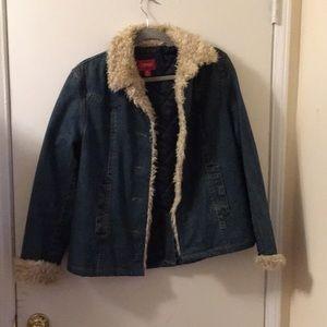 Jean jacket with fur trim